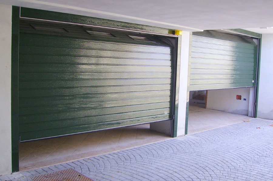 Realizzazione serrande e saracinesche avvolgibili per for 2 costi di costruzione del garage per auto