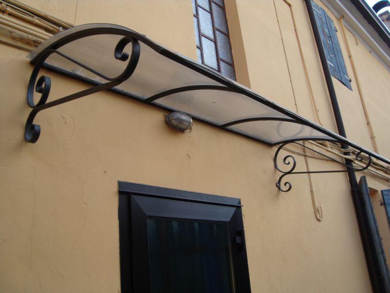 Tettoie in ferro free with tettoie in ferro amazing for Costo del portico anteriore