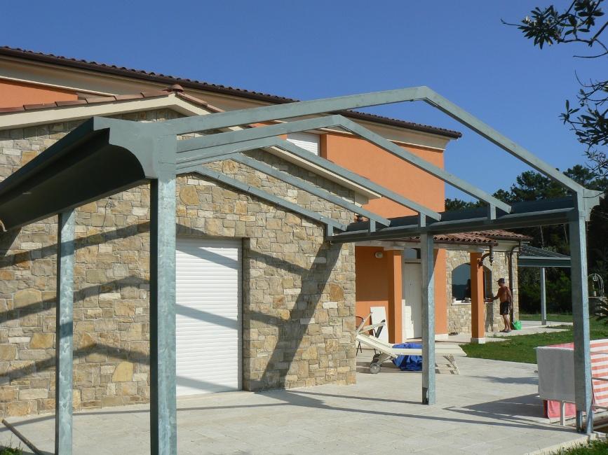 Realizzazione tettoie in ferro e ferro battuto roma laferpi - Struttura in ferro per casa ...